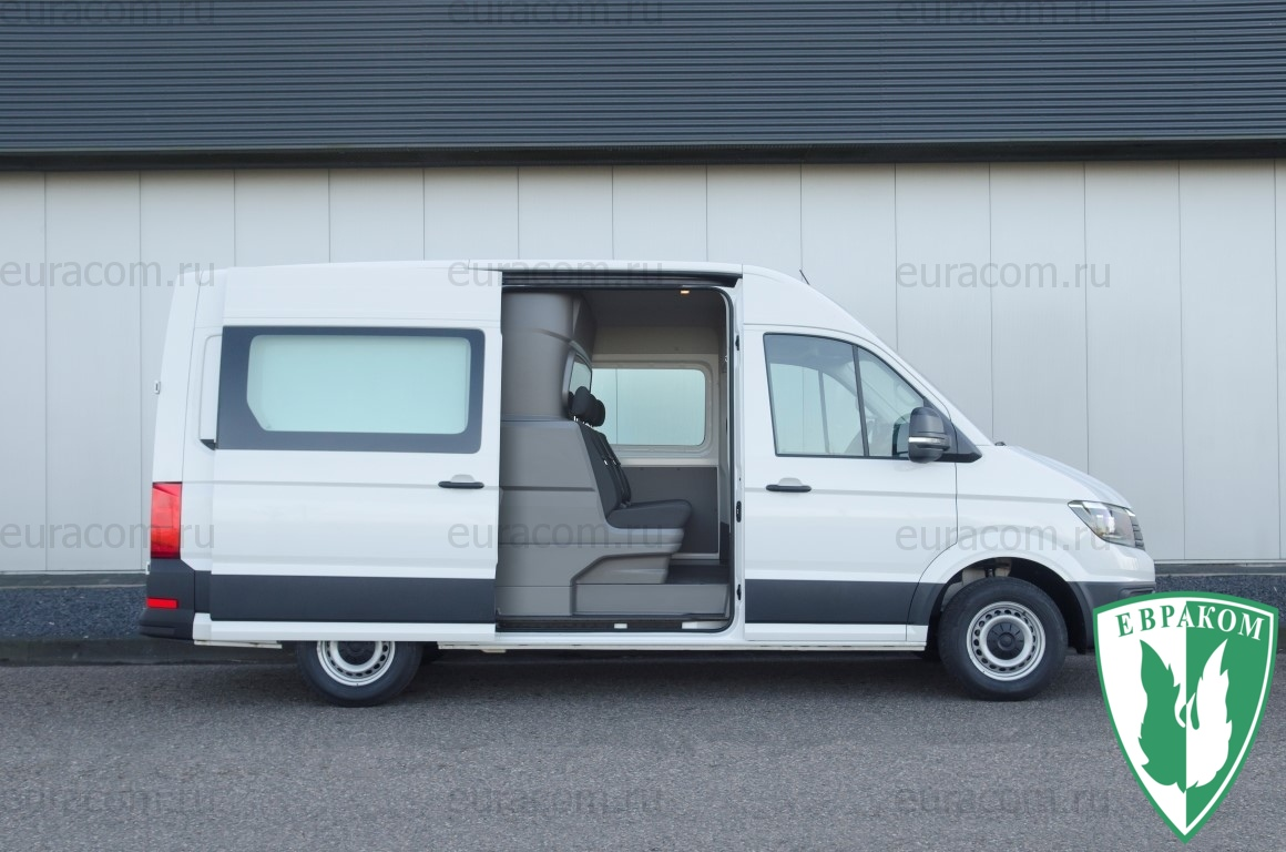 5e123de74bdcf_Volkswagen-Crafter-Comfort-Sideview-complete-vehicle-Medium